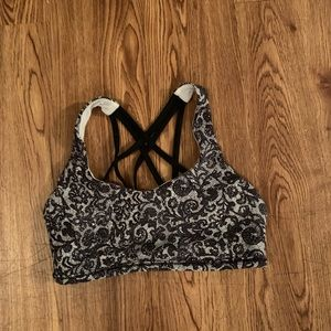 Lululemon sports bra top size 6